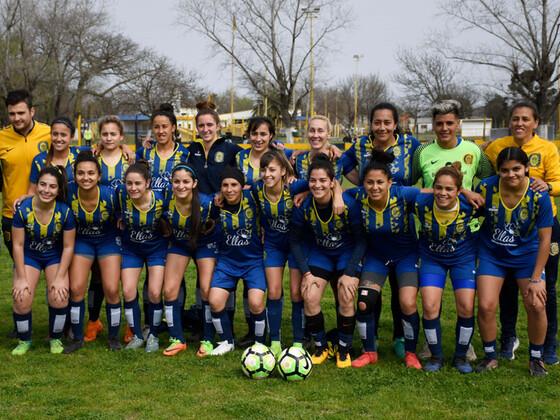 El plantel completo de las bicampeonas rosarinas. En breve arranca el Torneo Clausura.